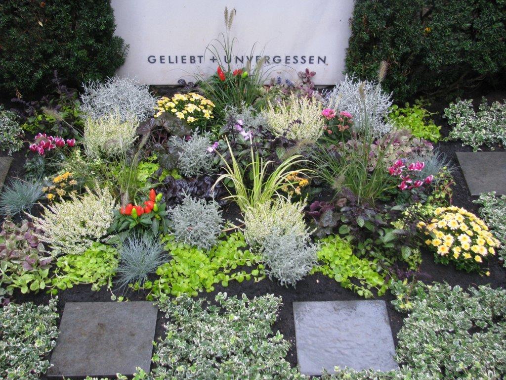 bepflanzung herbst friedhofsg rtnerei b ckenholt. Black Bedroom Furniture Sets. Home Design Ideas